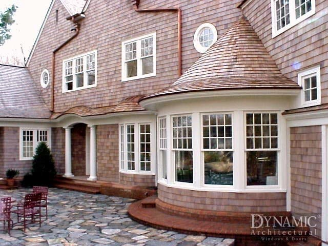 curved traditional bay windows